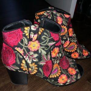 Crown vintage floral booties